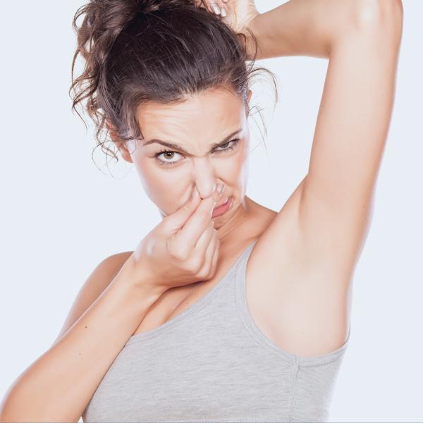 ¿Por qué huele mal el sudor?