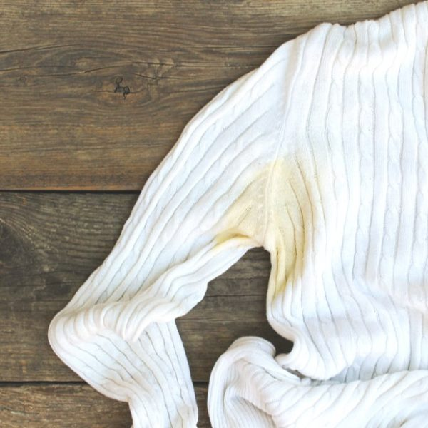 manchas sudor ropa