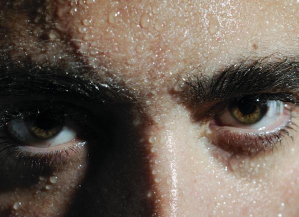 sudor en los ojos